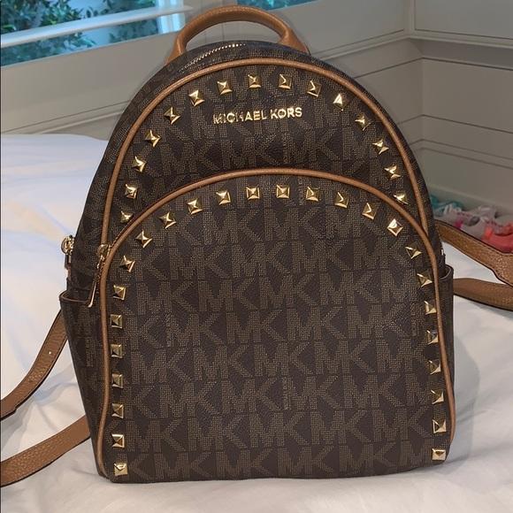 Michael Kors Handbags - Selling a Michael Kors backpack